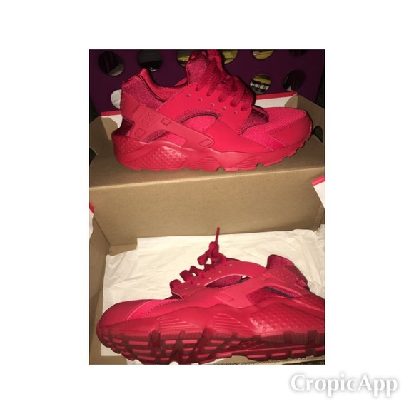 Nike Shoes | Grade School Red Huaraches